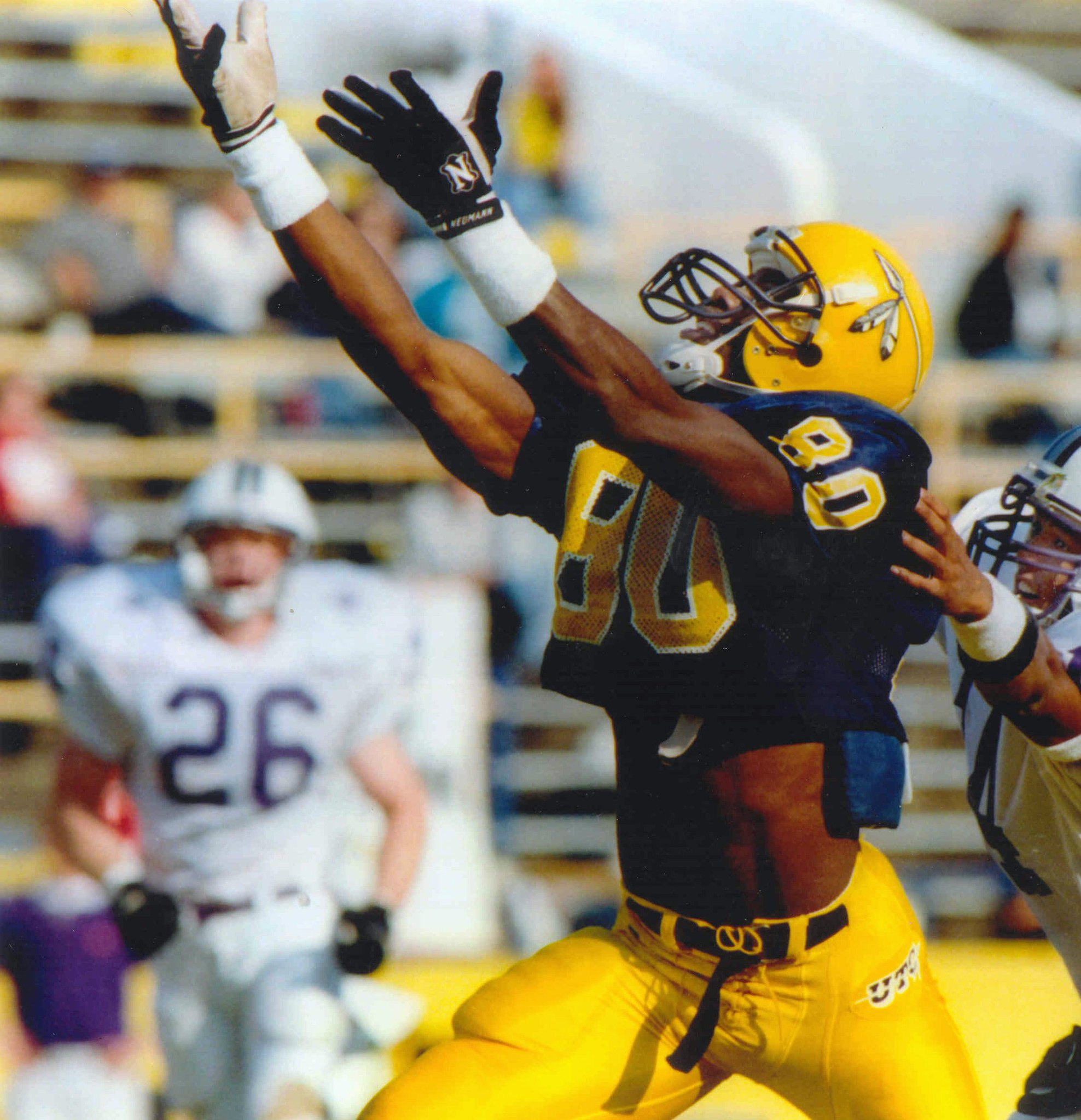 Terrell Owens announces he'll give HOF speech at alma mater, Tennessee Chattanooga   https://t.co/qWf5ymLxqr https://t.co/NYK8c1ouyS