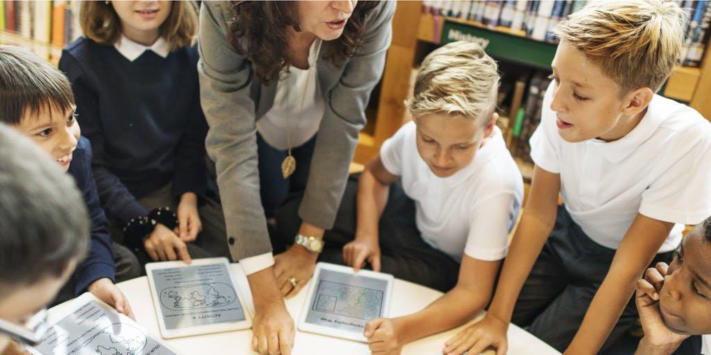 The Key to 21st Century Classrooms Isn't Tech. It's Evolved Teaching. bit.ly/2Jwwr7Y #edtech via @EdSurge