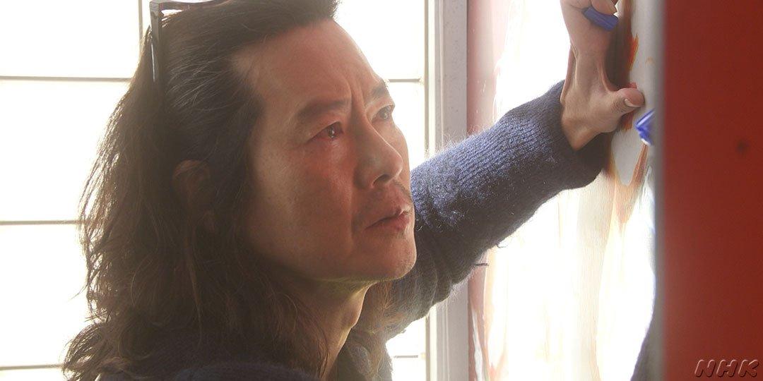 秋風が「オフィス・ティンカーベル」の壁の絵に涙と鳥を描き足す演技は、豊川さんから監督に提案したもの。 弟子3人に対する、師匠としての深い愛が感じられます。 #半分青い #豊川悦司
