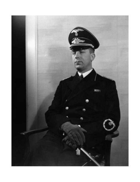 Nazi-Jurist Hans Globke, Kommentator der 'Nürnberger Gesetze', wurde heute vor 65 Jahren in der DDR als Kriegsverbrecher verurteilt. In der Bundesrepublik machte er Karriere (aus dem @einestages-Archiv) https://t.co/uJn2ifM0AA