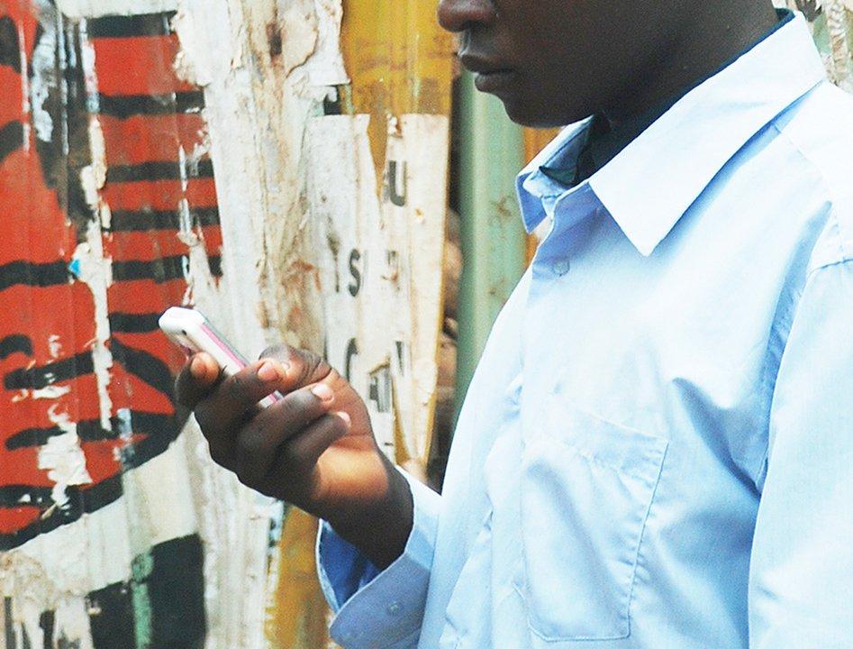 どうなっちゃうんだ? ウガンダで今月からSNS税が導入、国民は激怒 #スマートフォン #海外 https://t.co/xM7U7MtIQ8