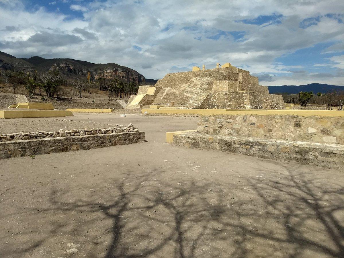zona arqueológica de La Mesa