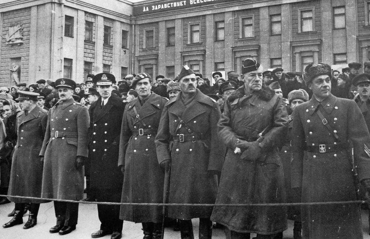 Картинки парад 7 ноября 1941 года в куйбышеве