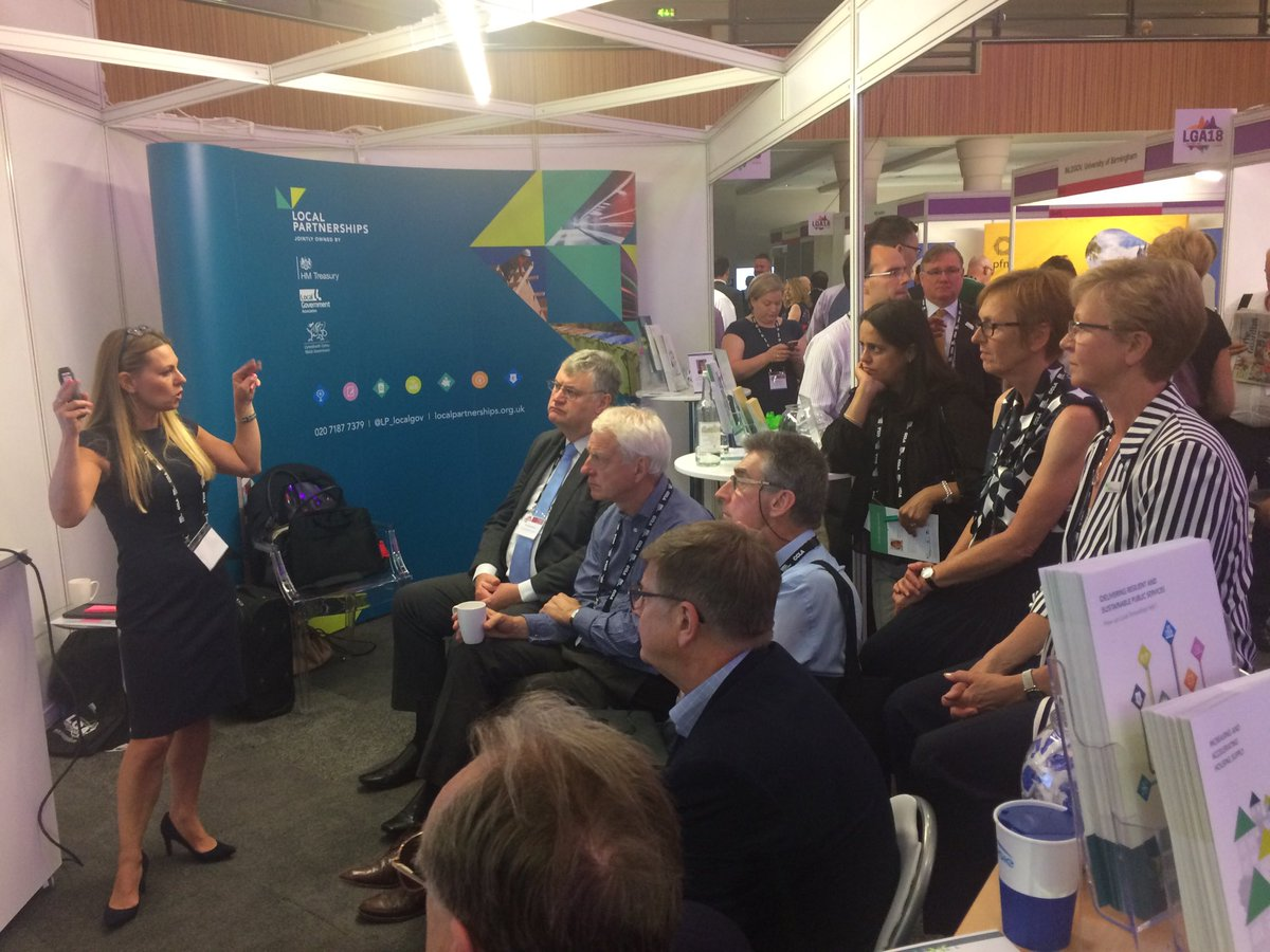 Creating dynamic communities? ⁦@LP_localgov⁩ taking #localgov delis at #LGAConf18 thro top tips for developing the best #Housing for everyone