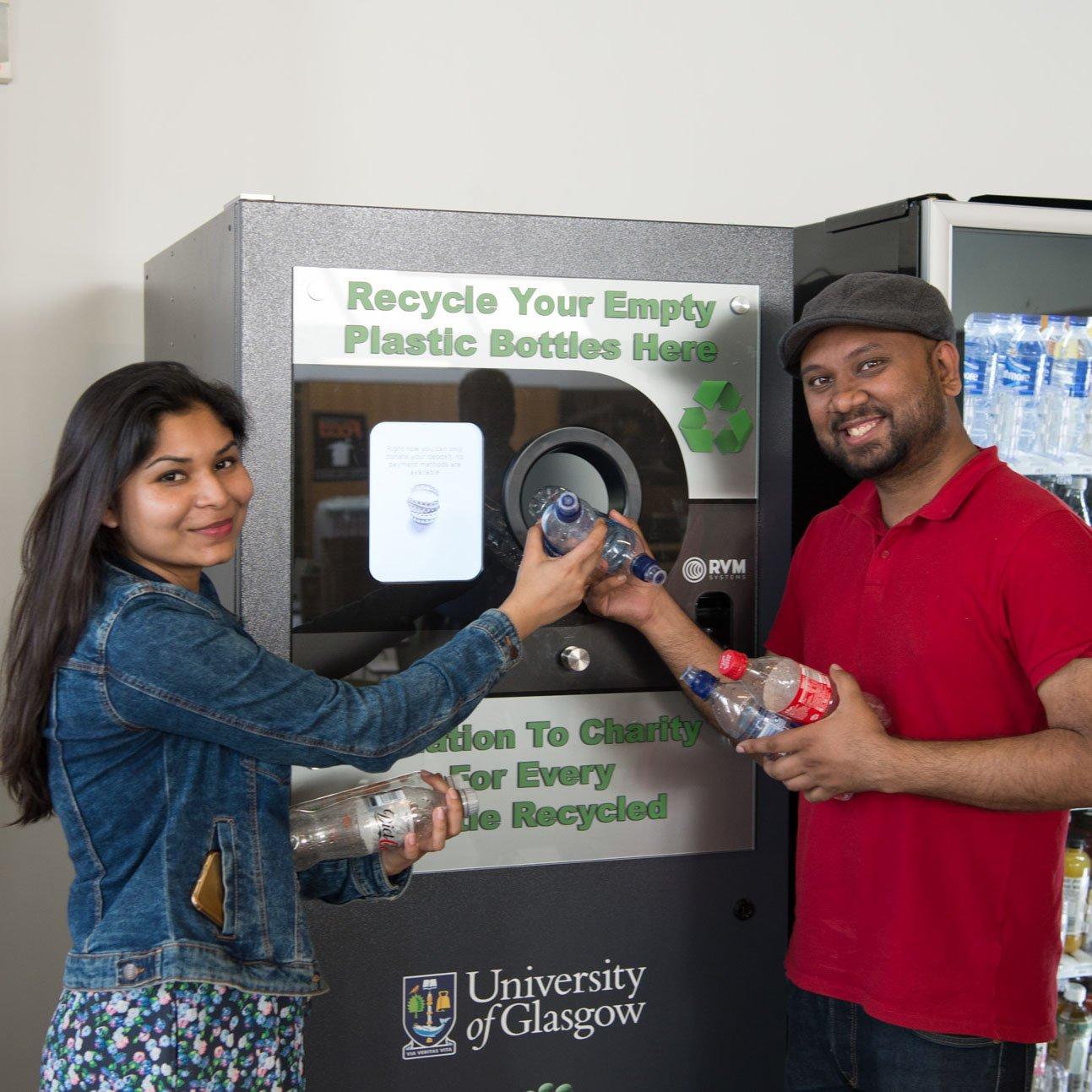 UofG is fighting #plasticpollution with a 'reverse vending machine' that recycles bottles ♻️ https://t.co/0k4zfu1Dh2 https://t.co/VGuy4Jfiza