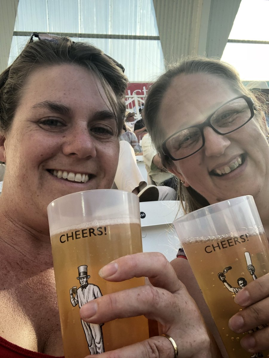 Cheers! Lovely evening @TrentBridge #outlaws