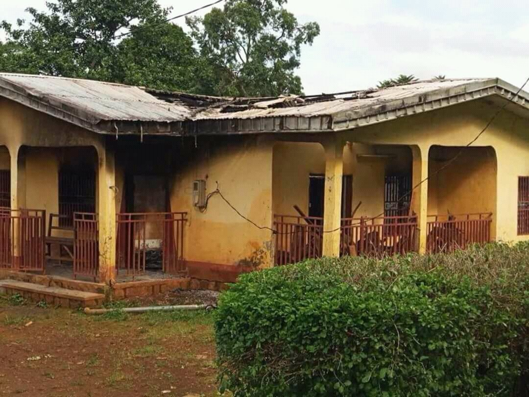 How can this end? Houses burnt in Belo by Cameroun Military. contribute money for aid and your the promoter of violence in same place. You blow your trumpet u dance the dance. @realDonaldTrump @LeahHardingAJE @ilariallegro @BBCAfrica @cnni @hrw @amnestyusa @dwnews @marcel_lucht