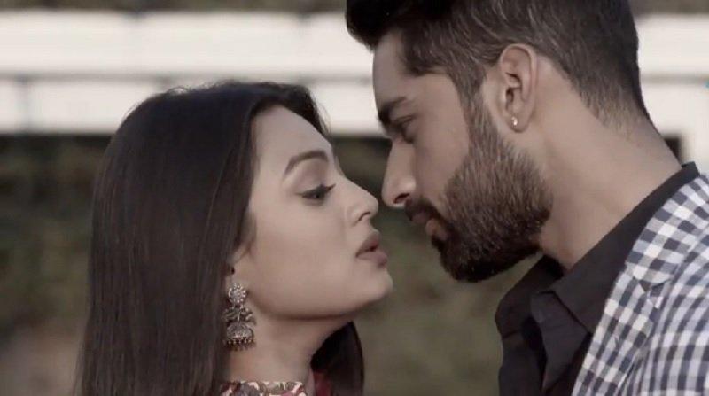 Voting guess🌟🌟🌟🌟  Who is Best Loved Jodi Tv ON-Screen 2018?!!  RT #Mehak & #shaurya  Like #Anika  & #Shivaay   #sameekshaJaiswal #karanVohra #SurbhiChandna #NakuulMehta  #ishqbaaaz #ZindagiKiMehak https://t.co/DETHcVLE2v https://t.co/a5TzPQGh28