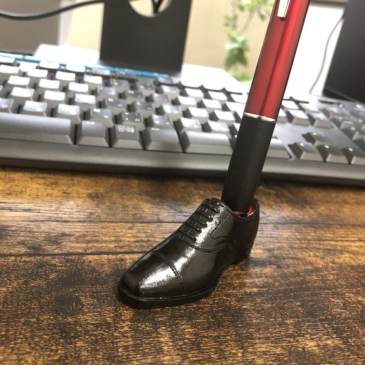 test ツイッターメディア - スワンネックの黒ストチ購入しました!この靴はハイシャイン難しいですね。Can★Do  でもこの完成度には靴への愛を感じませんか!?  #キャンドゥ #株式会社フジサキ #革靴 https://t.co/luuzHRVzLQ