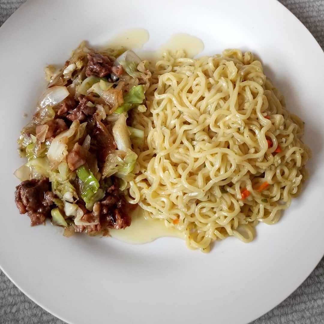 @jeromesophia6: Noodles with chicken-cabbage stir fry.  #foodie #foodblogger #sophyfoodblog https://t.co/NwyOVeBdQ1