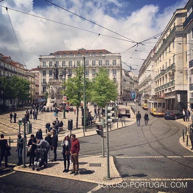 test ツイッターメディア - ショッピングエリア、シアード地区のカモンイス広場。 #リスボン #ポルトガル https://t.co/pWeeaIoqAX
