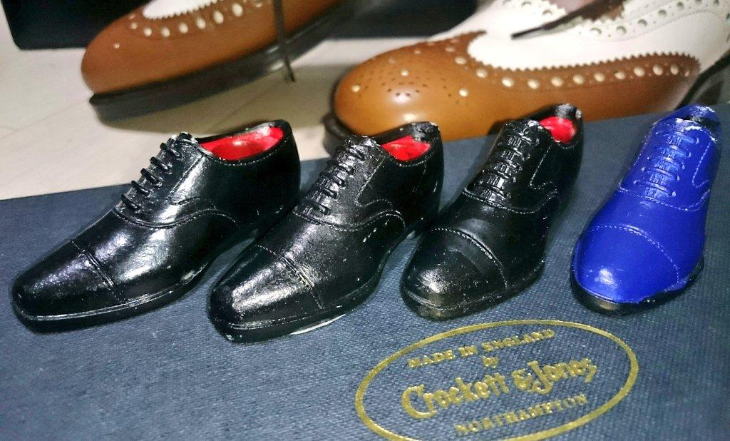 test ツイッターメディア - スワンネックの黒ストチ購入しました! この靴はハイシャイン難しいですね。 Can★Do でもこの完成度には靴への愛を感じませんか?!  #キャンドゥ #株式会社フジサキ #革靴 https://t.co/fwlRexPoeh