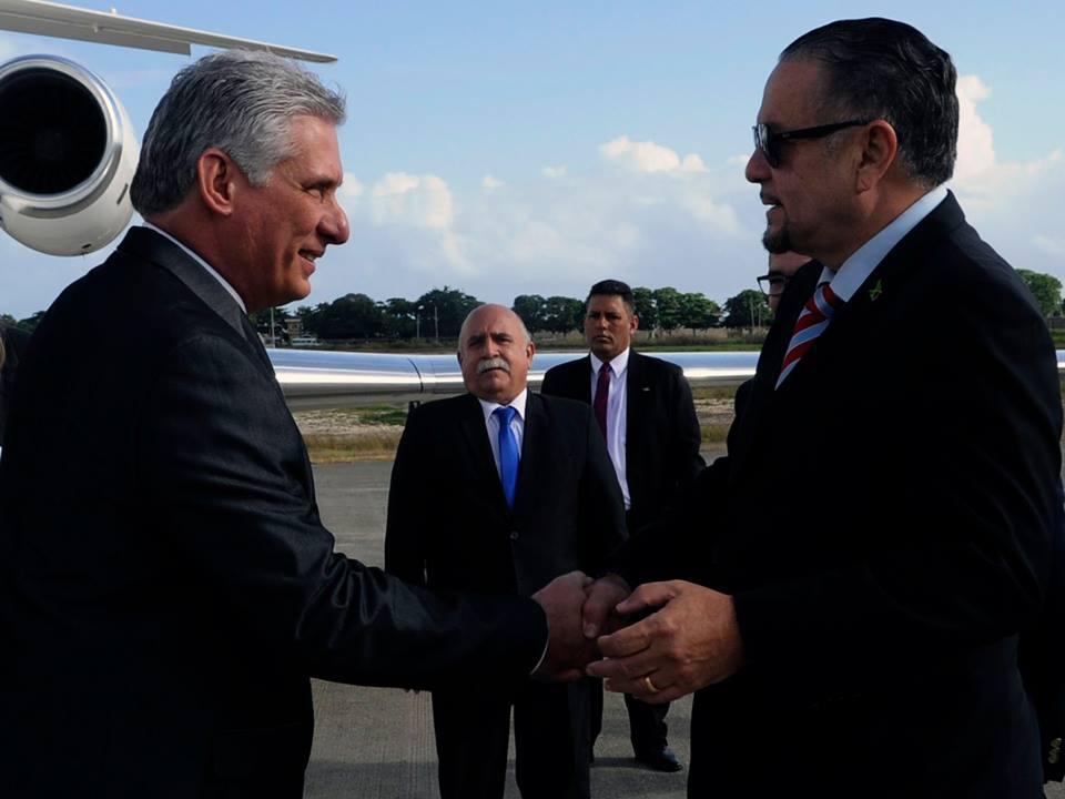 Díaz - Canel a su arribo a Jamaica