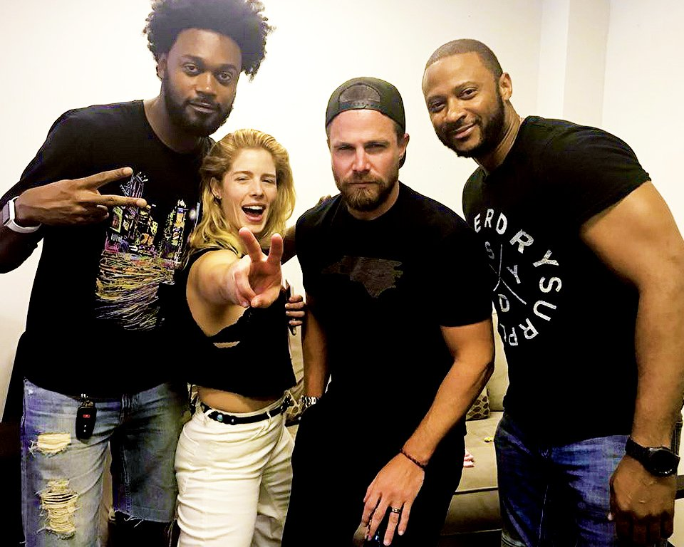Stephen Amell and Emily Bett Rickards with Echo Kellum and David Ramsey at the table read for Inmate 4587 #Arrow
