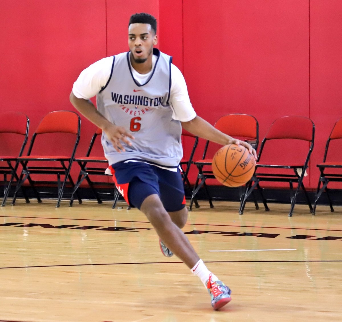 *zooms in*  Yeah, the rook's got HEAT. 👀@Troy_Brown33.  #NBAKicks #WizSummer