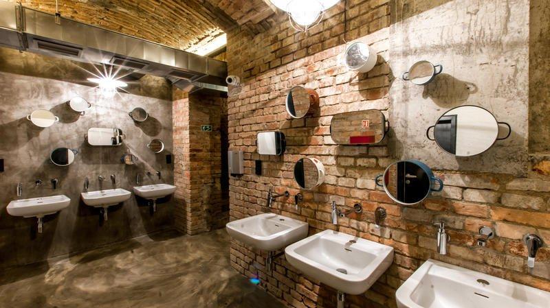 Yep, this is how we do ! Fancy bathrooms at Czech Inn hostel ! #Prague #Fancy #Design #Hostel #HostelLife #FamousHostels #Wanderlust #Travel #TravelLife @hostelworld  https://t.co/TBKp6H3KY4 https://t.co/hiSgnrYJ6Z