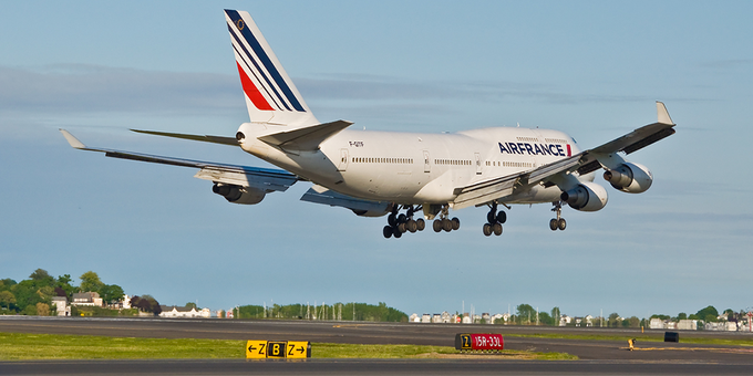 In honor of upcoming #BastilleDay, happy #FridayFlyday with @airfrance. Learn more about their fleet: Photo