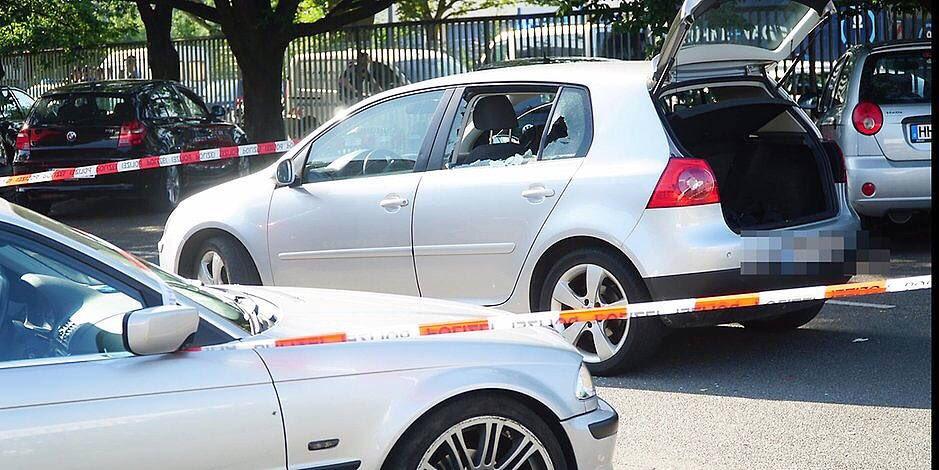 Schüsse in Hamburg! 23-Jähriger tötet Mann auf Parkplatz von McFit https://t.co/WiRvZCos1X
