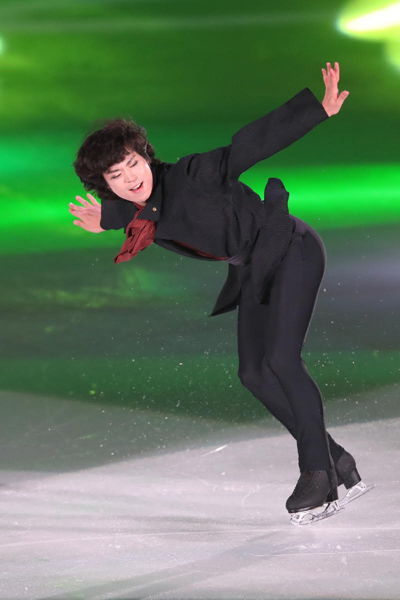 Ледовые шоу-5 - Страница 33 Dh_DOzAUYAAf_s2