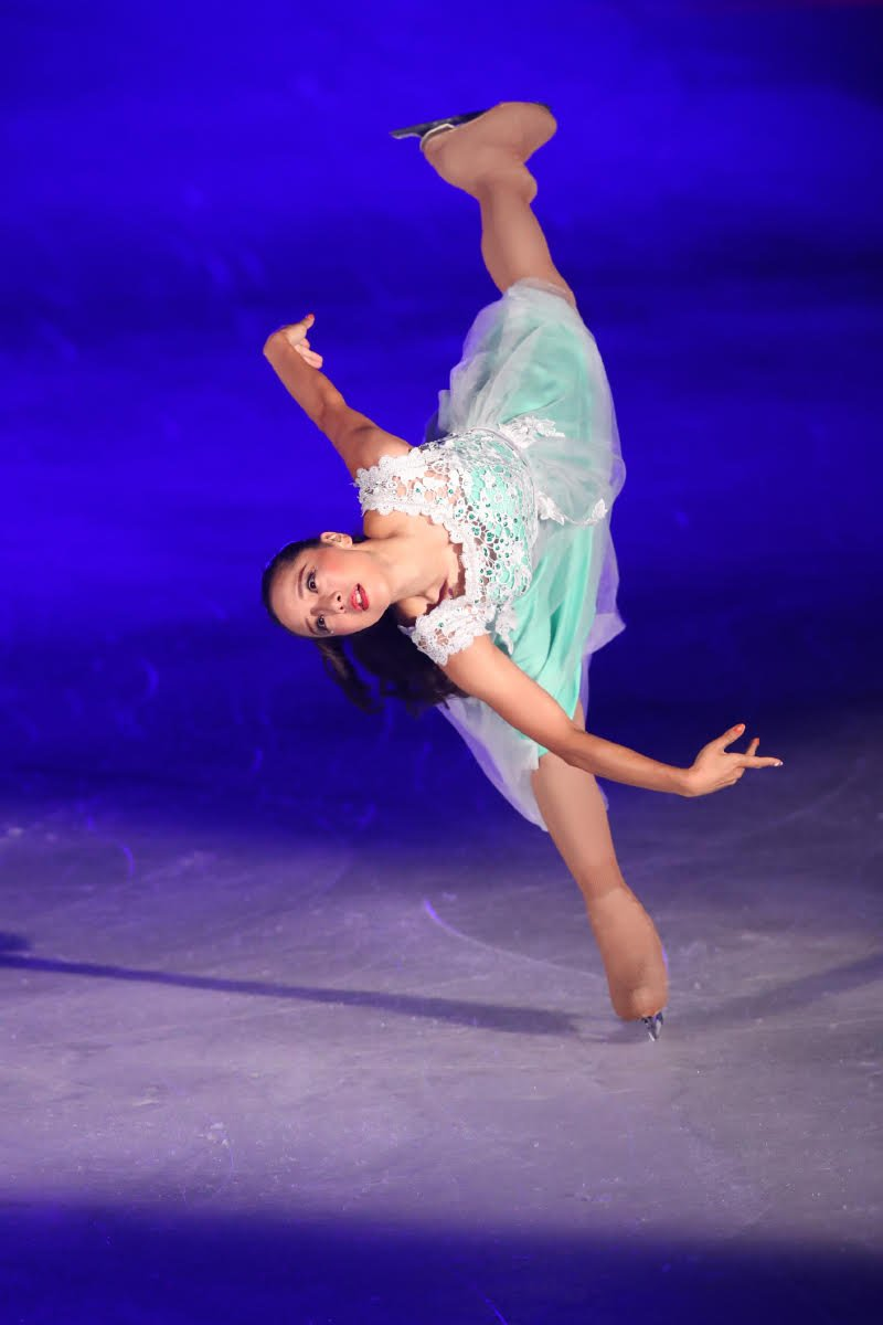 Ледовые шоу-5 - Страница 33 Dh_FcwzUwAEOT_H