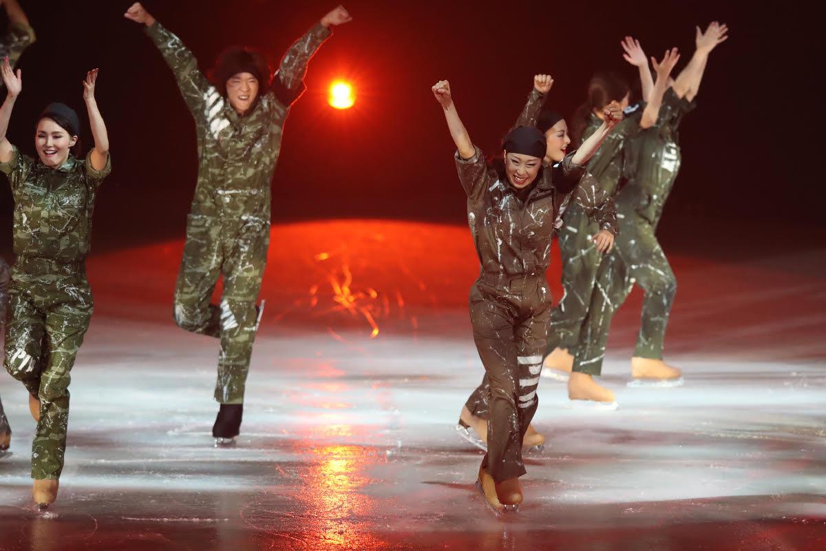 Ледовые шоу-5 - Страница 33 Dh_HghNUwAUyd0n