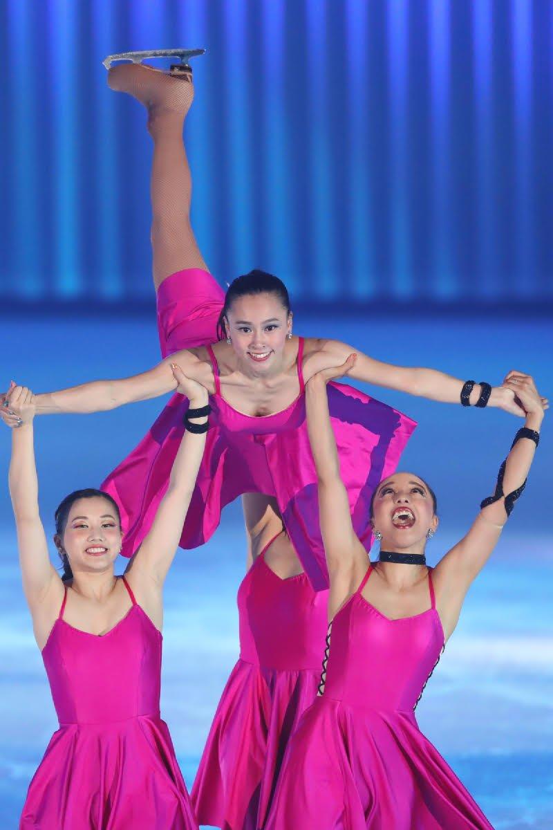 Ледовые шоу-5 - Страница 33 Dh_Kl2XU0AEw6Mu