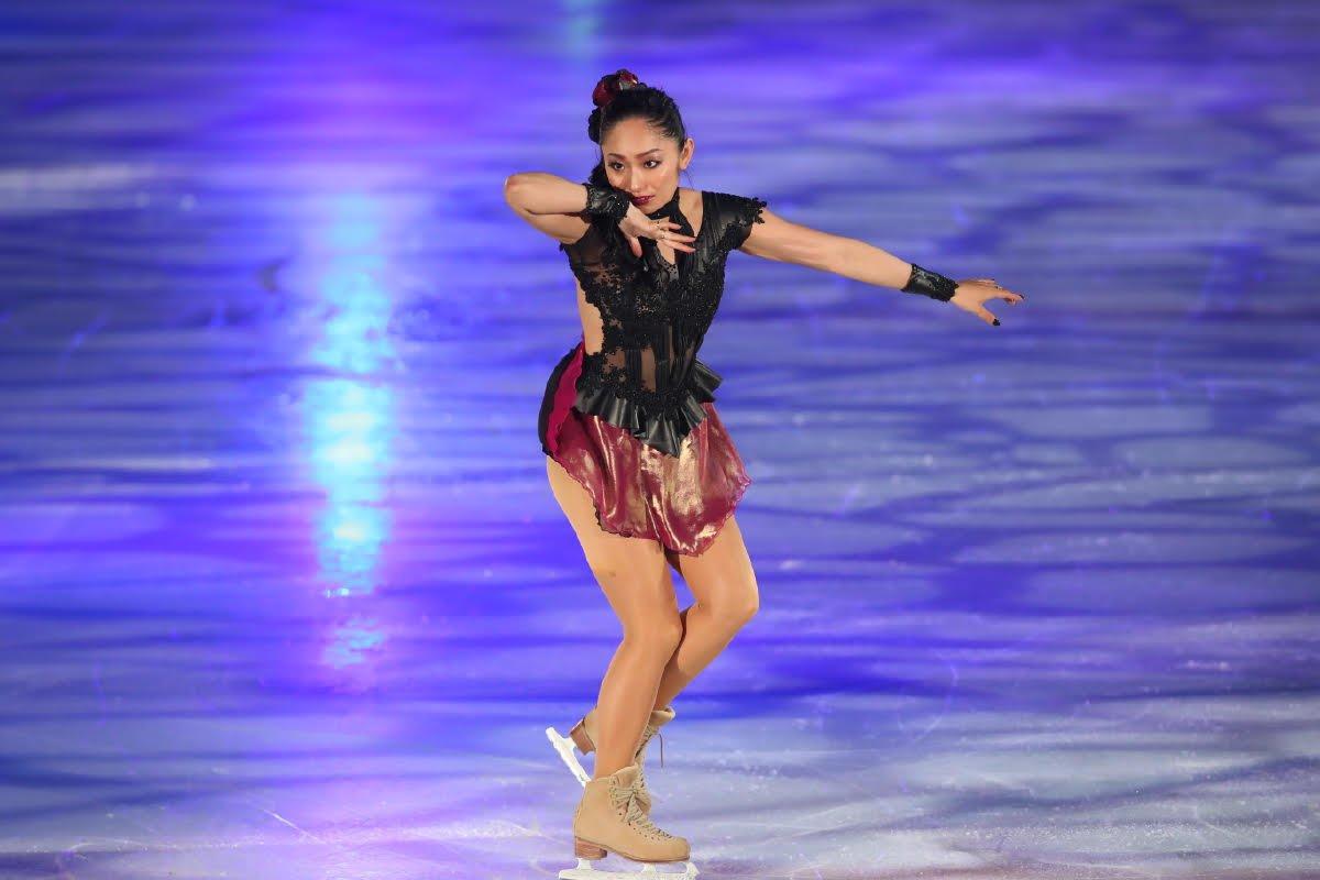 Ледовые шоу-5 - Страница 33 Dh_MsK5UYAU9--i