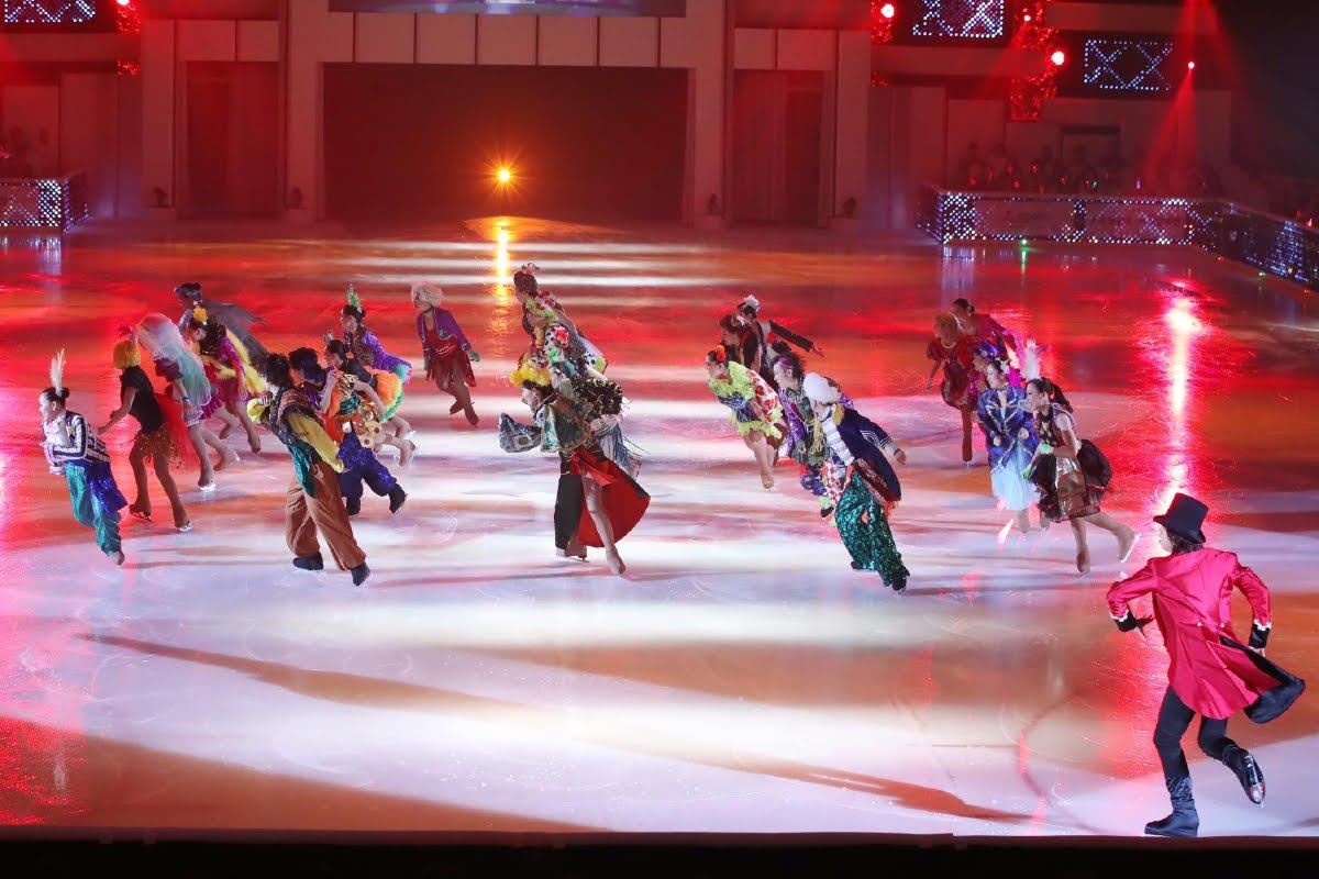 Ледовые шоу-5 - Страница 33 Dh_NWTFUcAAL2cJ