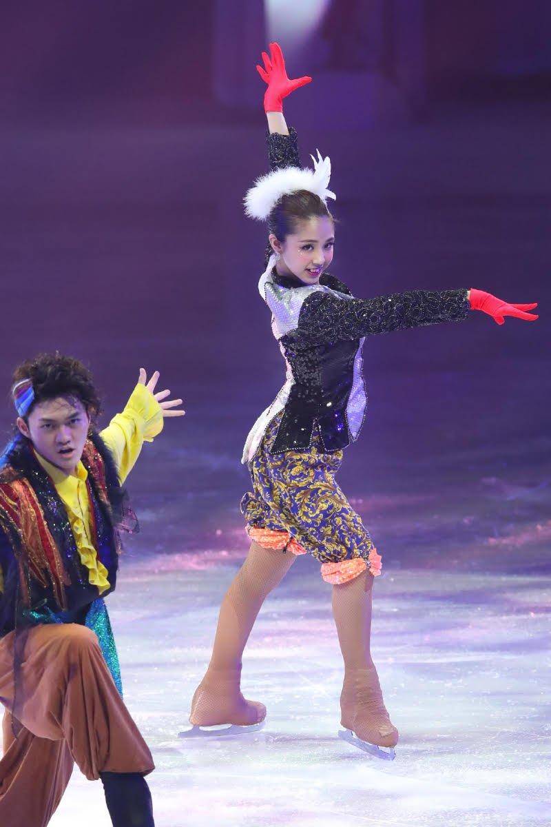 Ледовые шоу-5 - Страница 33 Dh_NswHU8AA6hG7