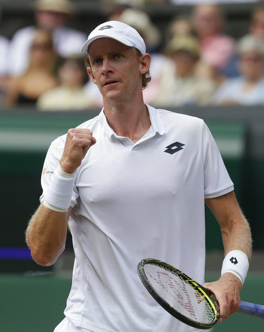 After an hour into the match, Kevin #Anderson wins the first set 7-6 (6)! #Wimbledon LIVE: Photo