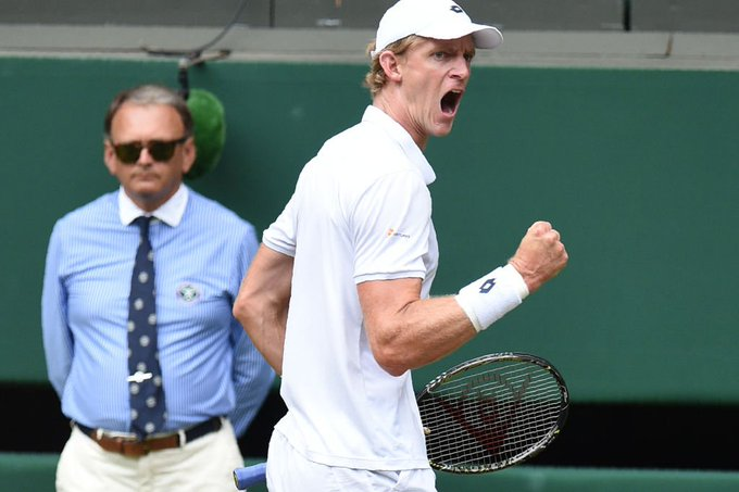 First set: Kevin Anderson ✅ The South African has taken it 7-6 against John Isner. 📺 @BBCOne 📻 @5liveSport 💻📱 #Wimbledon #bbctennis Photo