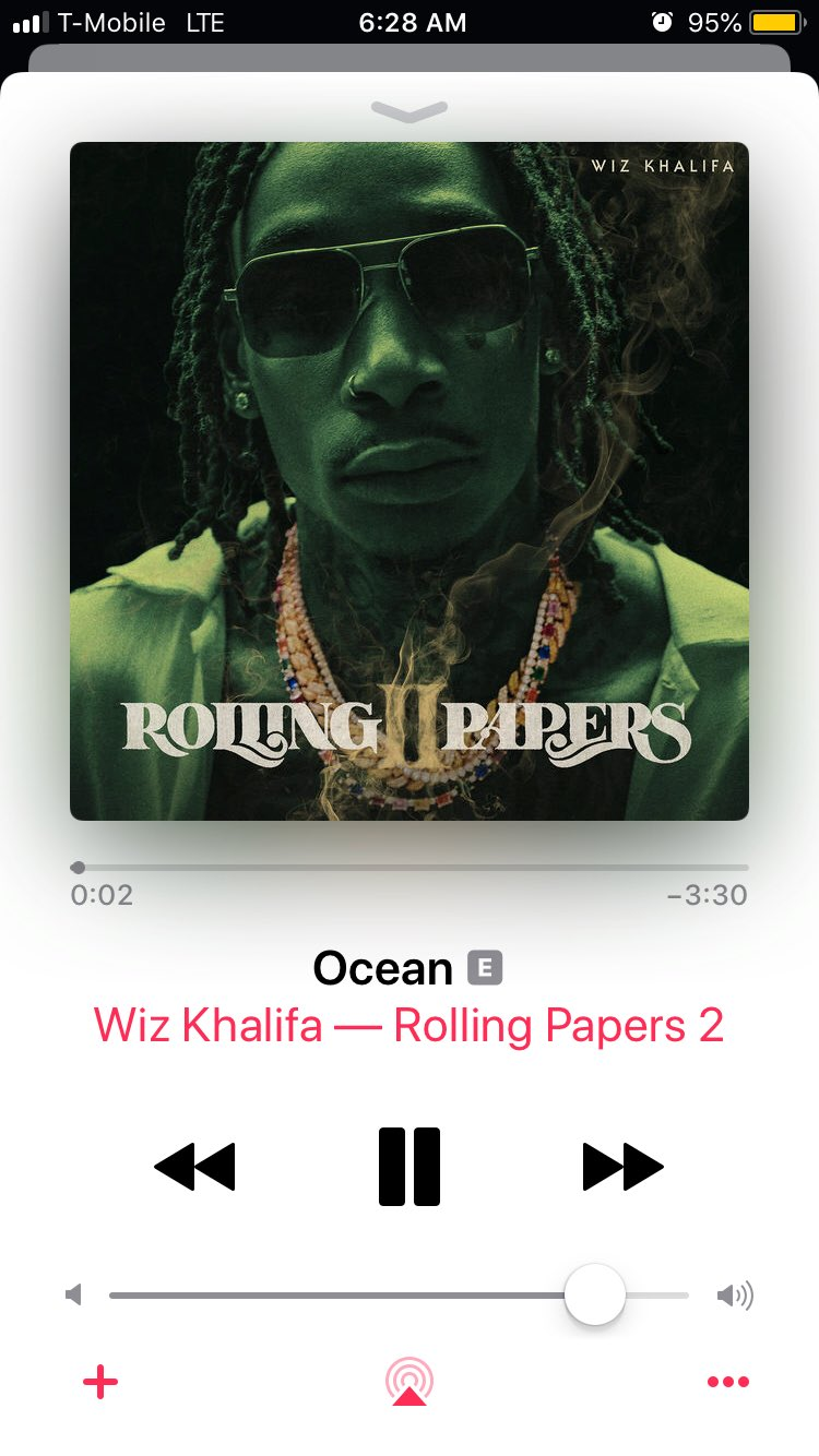 Starting the day off with @wizkhalifa https://t.co/aaNVybf9os