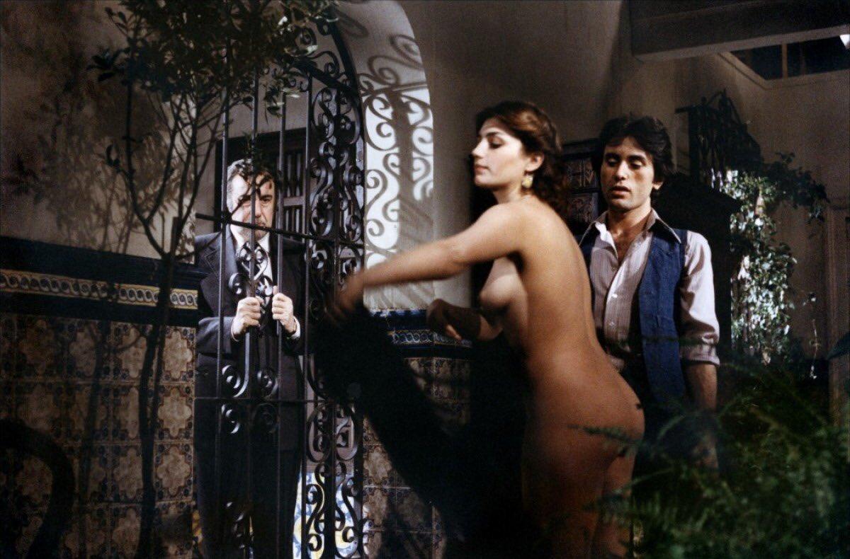 Слова шпилит эротический полнометражный фильм про героиню фру фру онлайн света