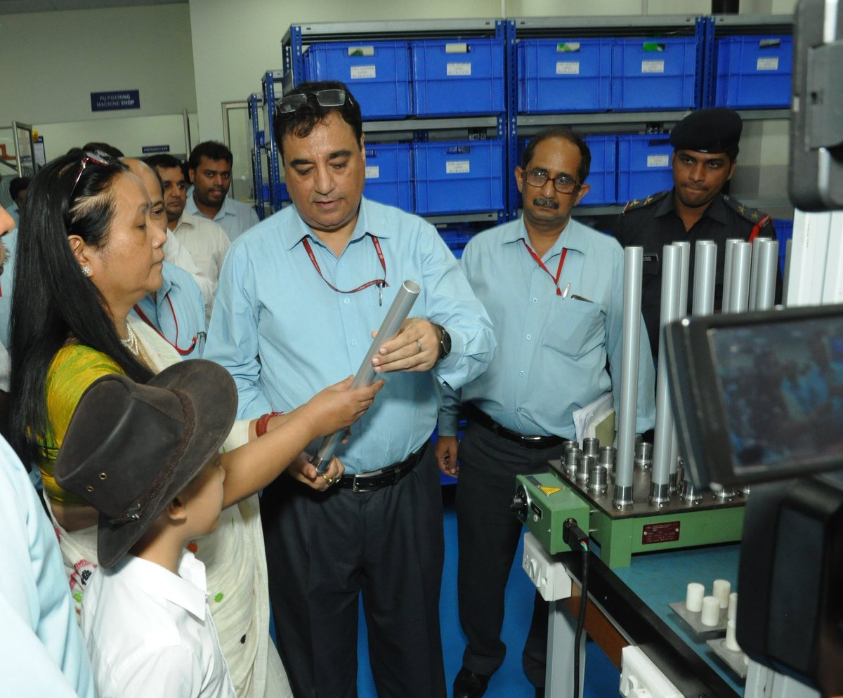 Smt. Shakuntala D Gamlin, Secretary, DEPwD inspected newly constructed Hi End Prosthetic Shop of ALIMCO and Products manufactured. She also interacted with the beneficiaries fitted with hi-end lower prosthetic & children undergone successful Cochlear implant surgery.