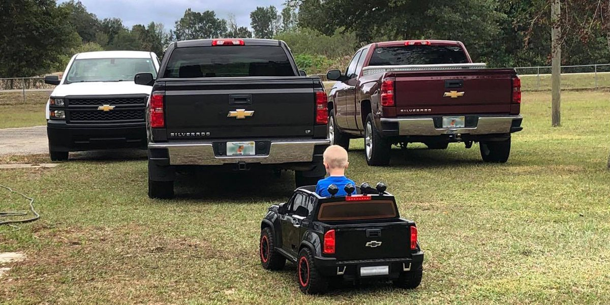 Just Chevy Trucks >> Chevy Trucks On Twitter Leader Of The Pack He Just Doesn
