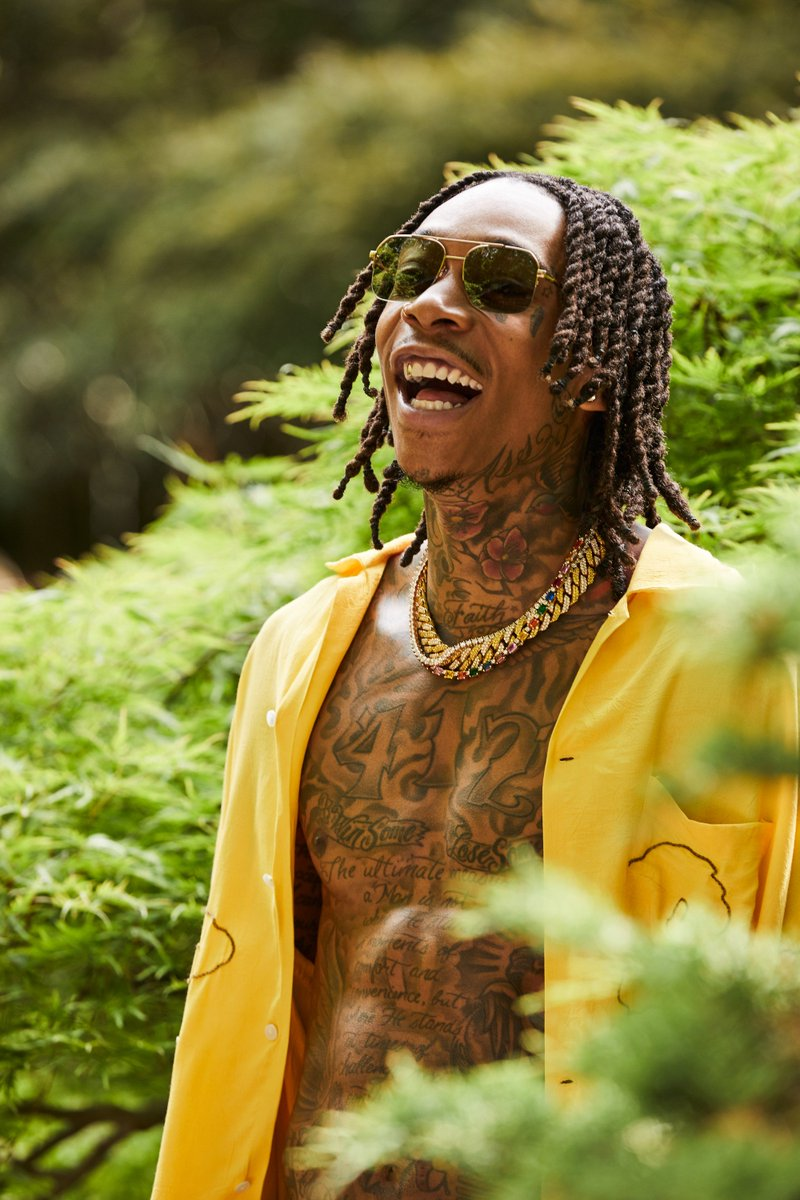 New 🔥 from @wizkhalifa. Listen to #RollingPapers2 now. spoti.fi/2ufcLNd