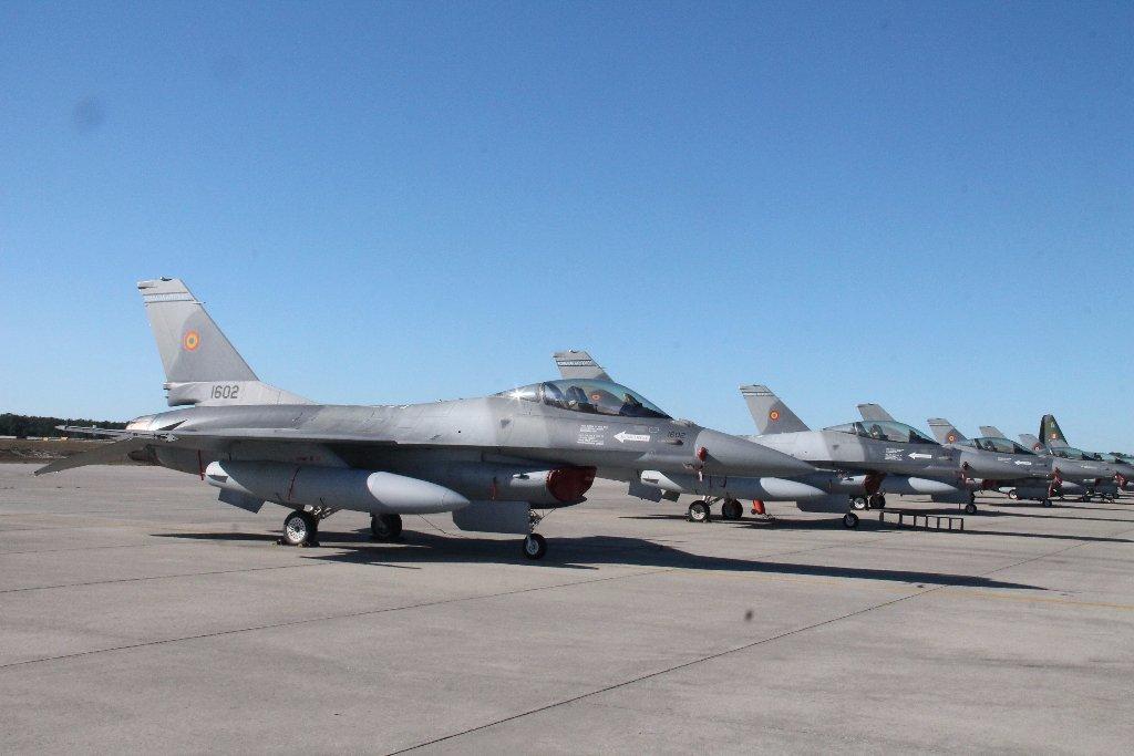 البرتغال تشتري طائرات F-16 لتعاود بيعها الى رومانيا  Dh_pw8LXkAAs7Or