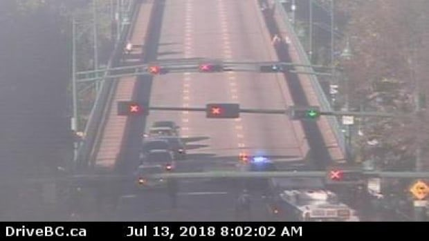 #LionsGateBridge still closed in both directions due to police incident Photo