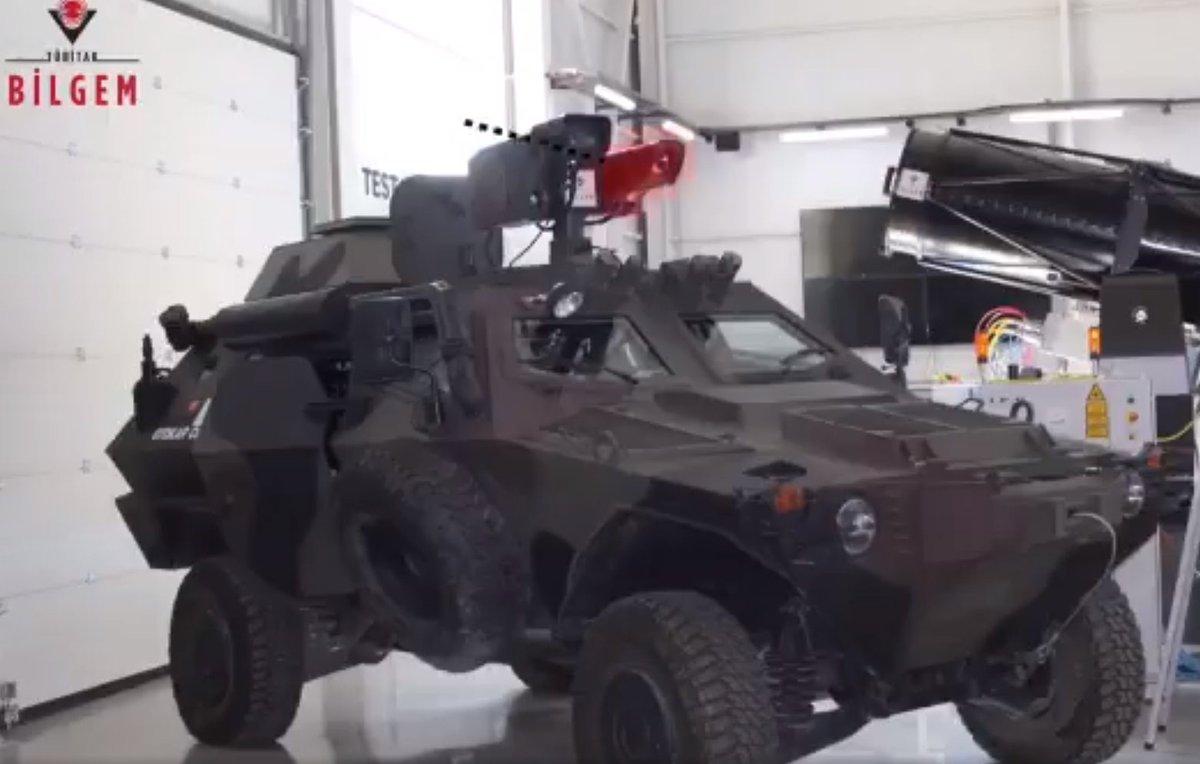 تركيا تجرّب منظومتي سلاح ليزري لتدمير أهداف ثابتة ومتحركة DhaHMnaX0AAmOmu