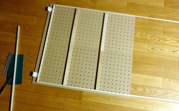 test ツイッターメディア - #日曜大工 #100均 #セリア #ダイソー #パンチングボード 壁に取り付ける収納パンチングボードの製作…6枚で一組なので簡単に完成しない、本当は一枚のボードが欲しかったところ、材料も設計も試行錯誤、もう一組作る予定?? https://t.co/D5J0F3zG9m
