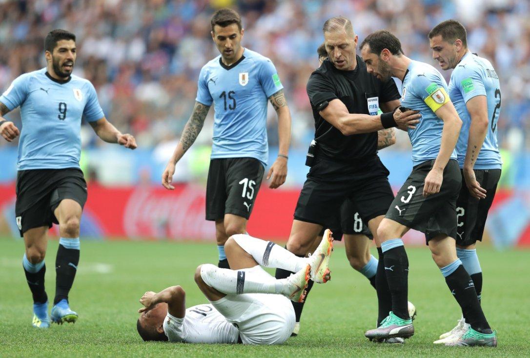 FIFA công bố trọng tài bắt chung kết World Cup 2018