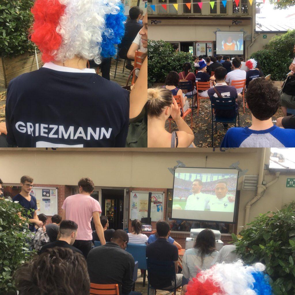 Tous avec les Bleus @ESPCI_Paris #Fiersdetrebleu