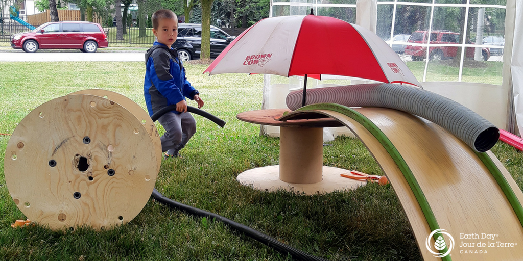 We kicked off our summer with sea monsters and other inventions at the @DixieBloorCtr Summerfest . #EarthPLAY #POPUPAdventurePlay pic.twitter.com/KRBGK8BAa6