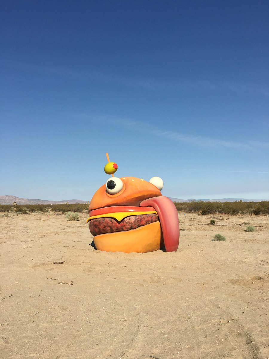 What.... is this... I'm in the middle of the desert why is this here???