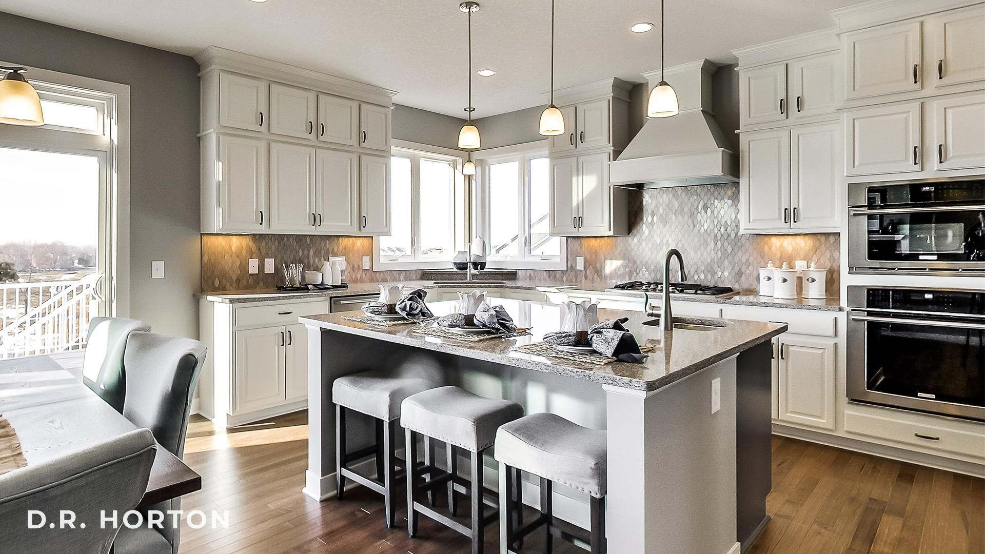 D R Horton On Twitter White Cabinets And Silver Accents Provide The Perfect Design For This Minnesota Kitchen