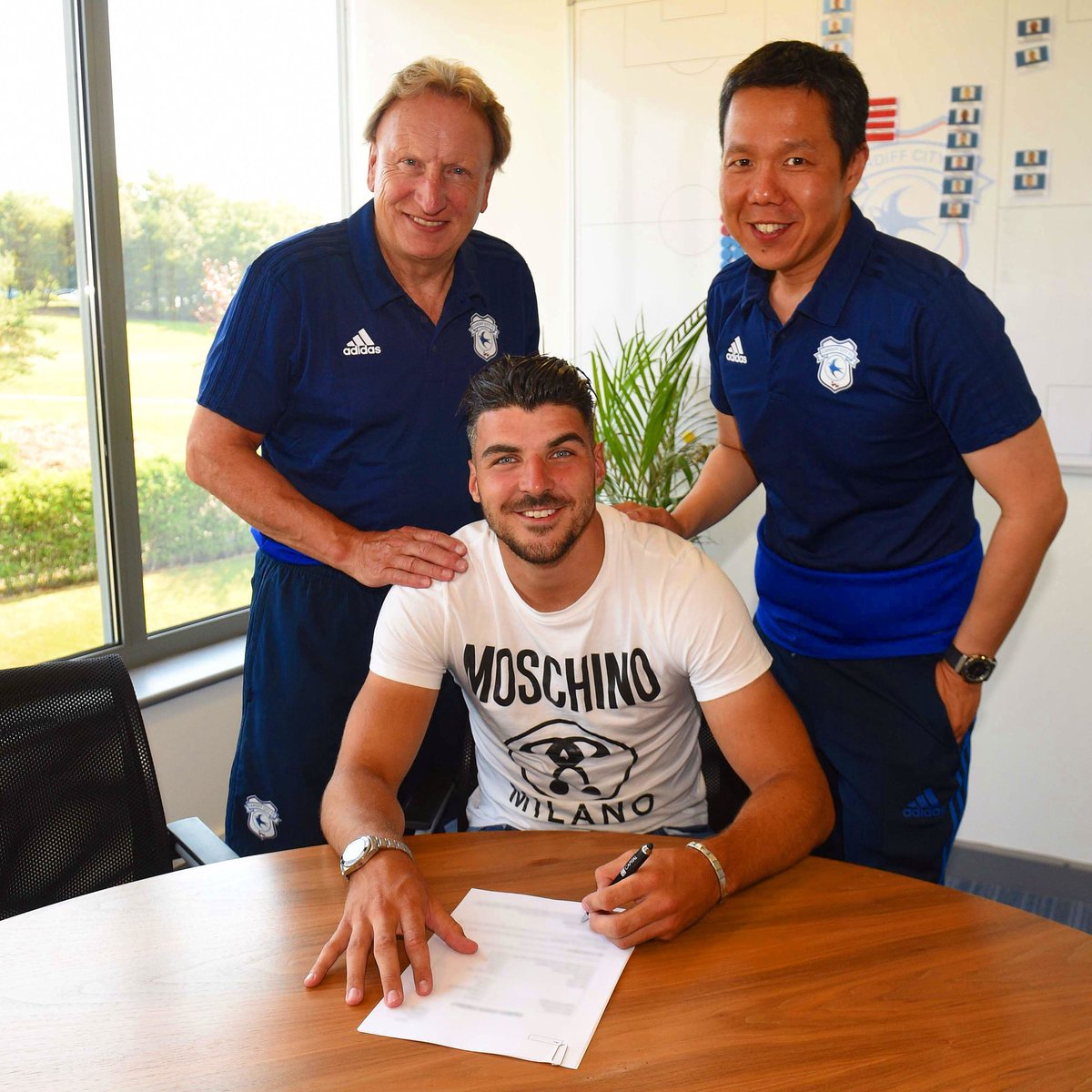Absolutely delighted to sign a new 4 year contract at @CardiffCityFC can't wait for this season to get started and looking forward to the future! ⚽️⚽️