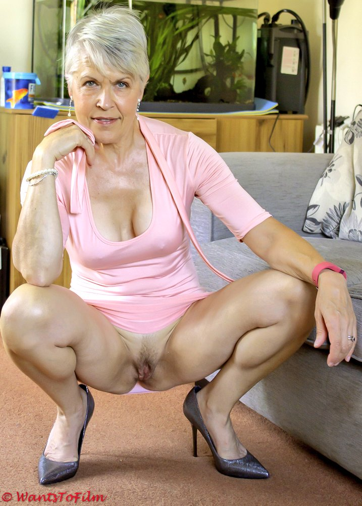 Beautiful naked senior women hot porn pic