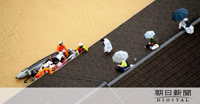 画像,岡山県倉敷市真備町で堤防が破れて周辺地域が水没、家屋が3棟流され、少なくとも2人が行方不明になっています。https://t.co/ycsyR0BSil htt…