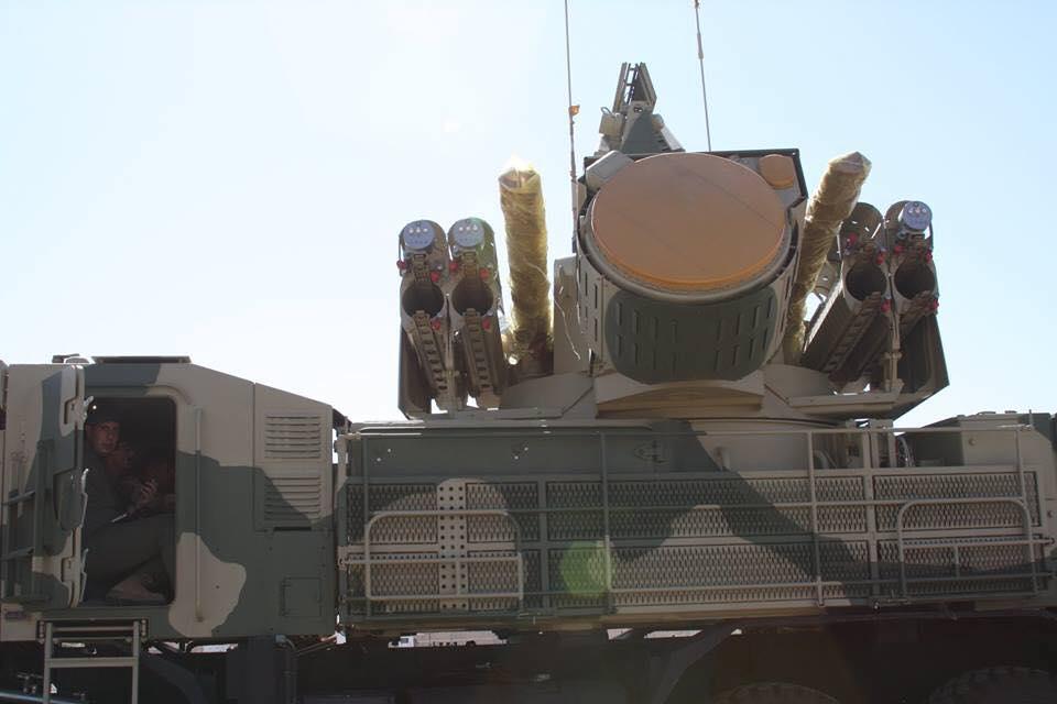 العراق يتسلّم منظومات الدفاع الجوي بانستير إس-1 (PANTSIR S1) الروسية . Dhduf2LUEAAjlra