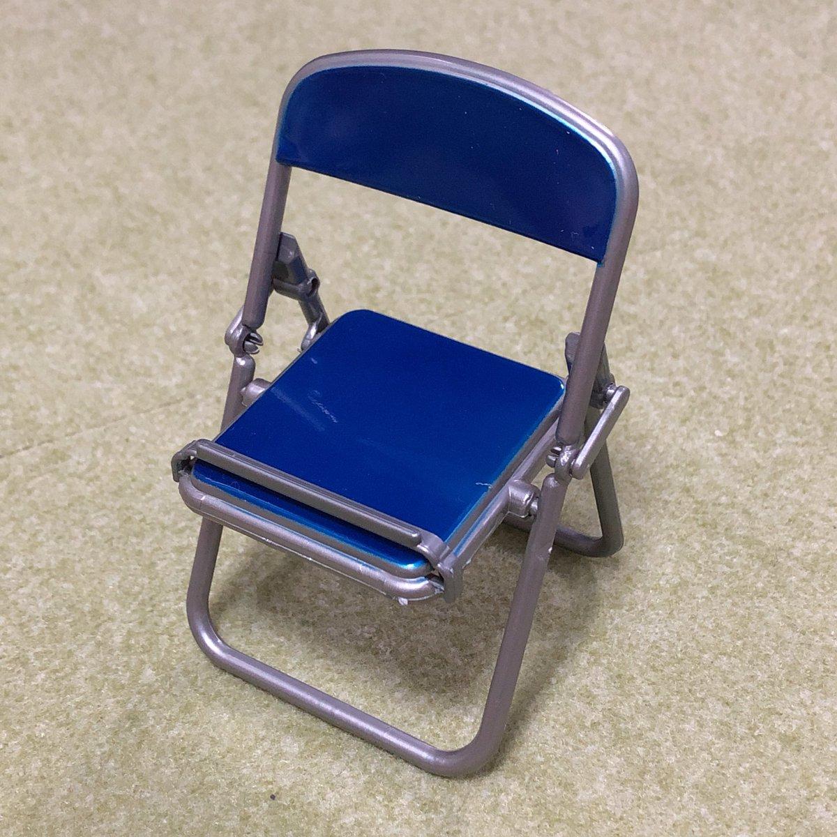 test ツイッターメディア - キャンドゥで見つけたスマホスタンド!!パイプ椅子!! #100均 #キャンドゥ #スマホスタンド #パイプ椅子 https://t.co/phtFCTyDMl